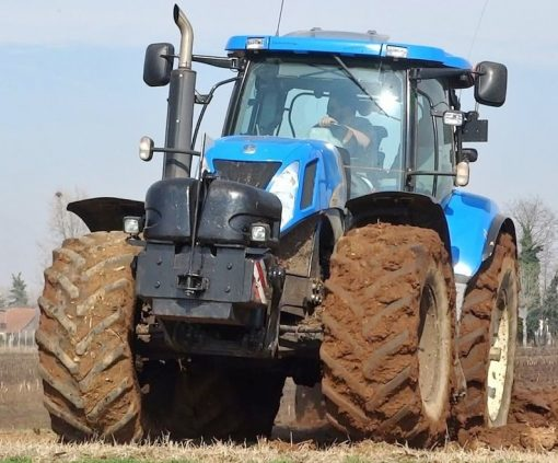 New Holland T7060 Tractor For Hire