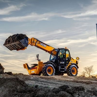 JCB 540-140 HI VIZ Telehandler for hire